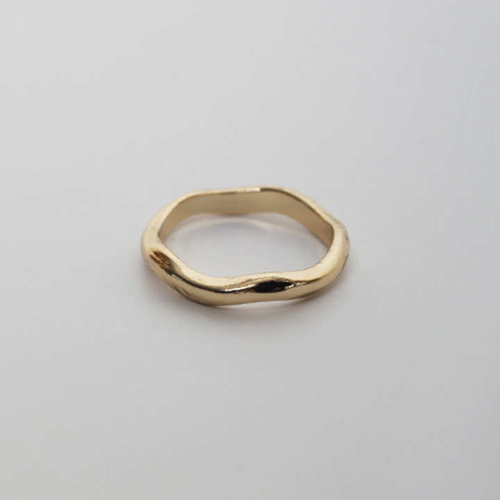LU42 TOUxHAS curved ring